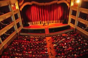 """""""Partire dal teatro e dalla cultura per ricostruire"""": CReSCo Calabria e gli artisti teatrali scrivono alla Regione"""