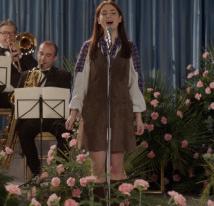 """""""La bambina che non voleva cantare"""", il realismo magico di una storia di formazione"""